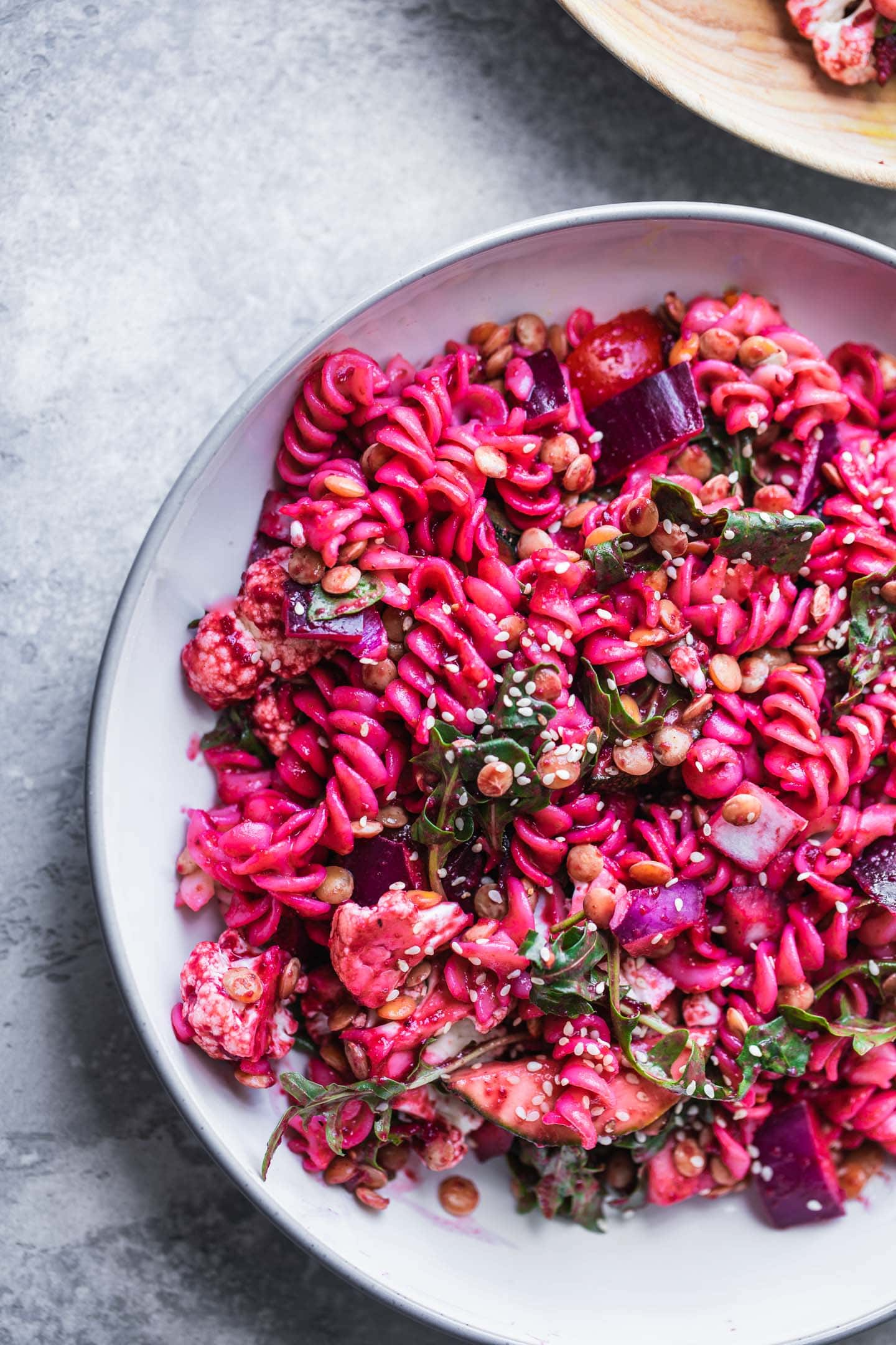 Pasta salad with beetroot vegetables and lentils