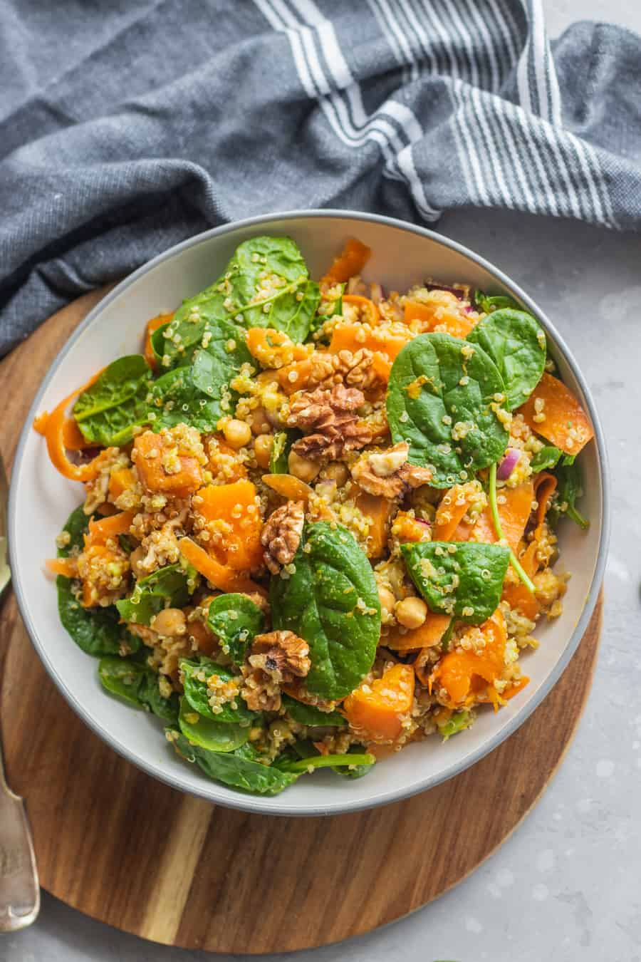 Chickpea quinoa salad with pumpkin