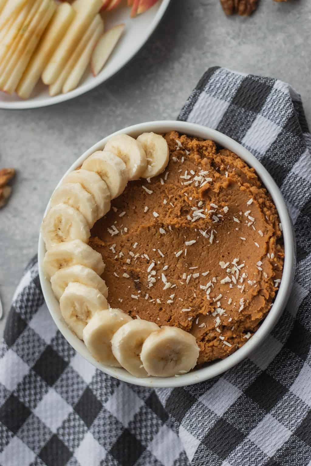 Vegan gluten-free pumpkin hummus