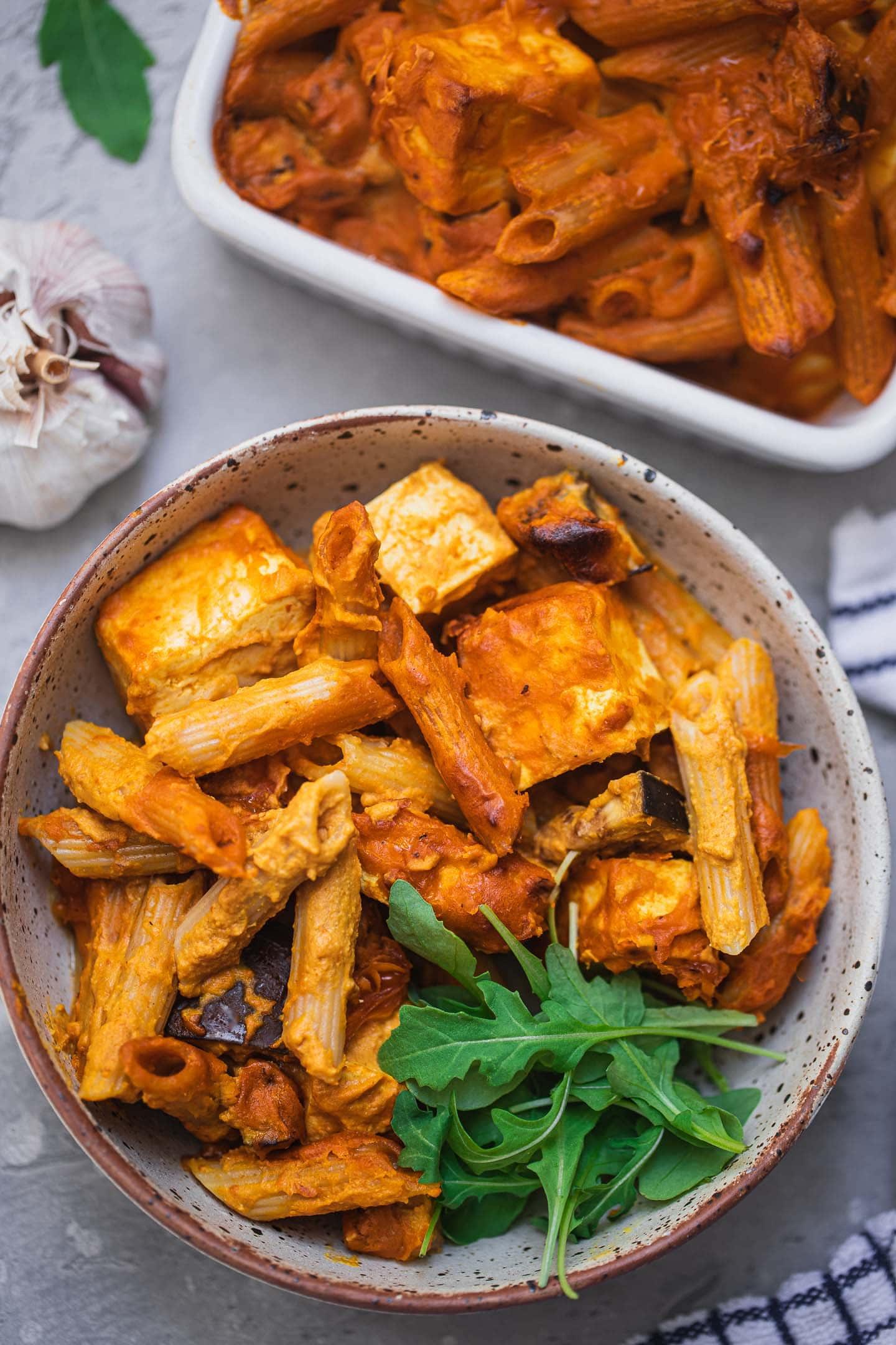 Pasta bake with tofu and aubergine