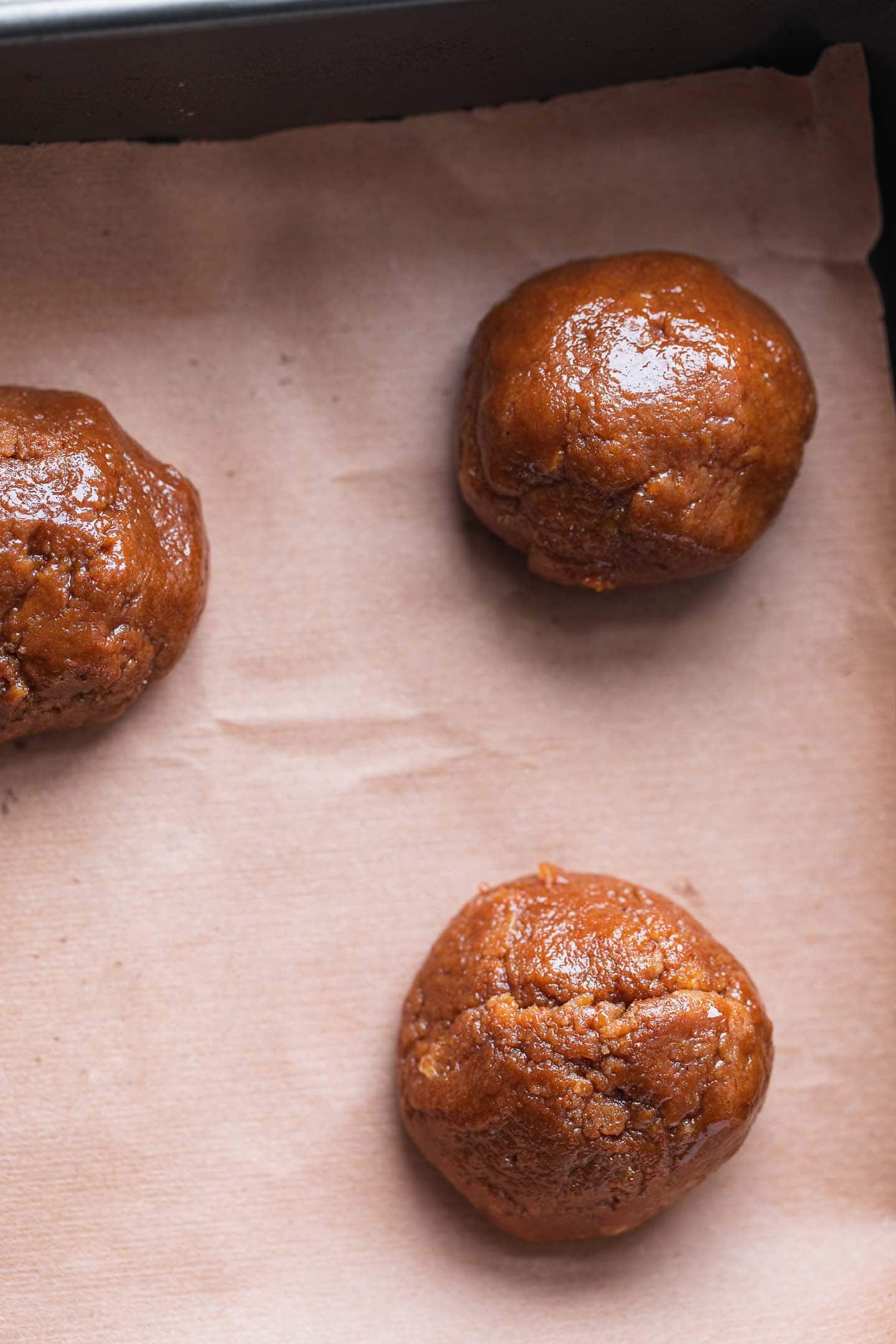 Vegan tahini cookies before baking