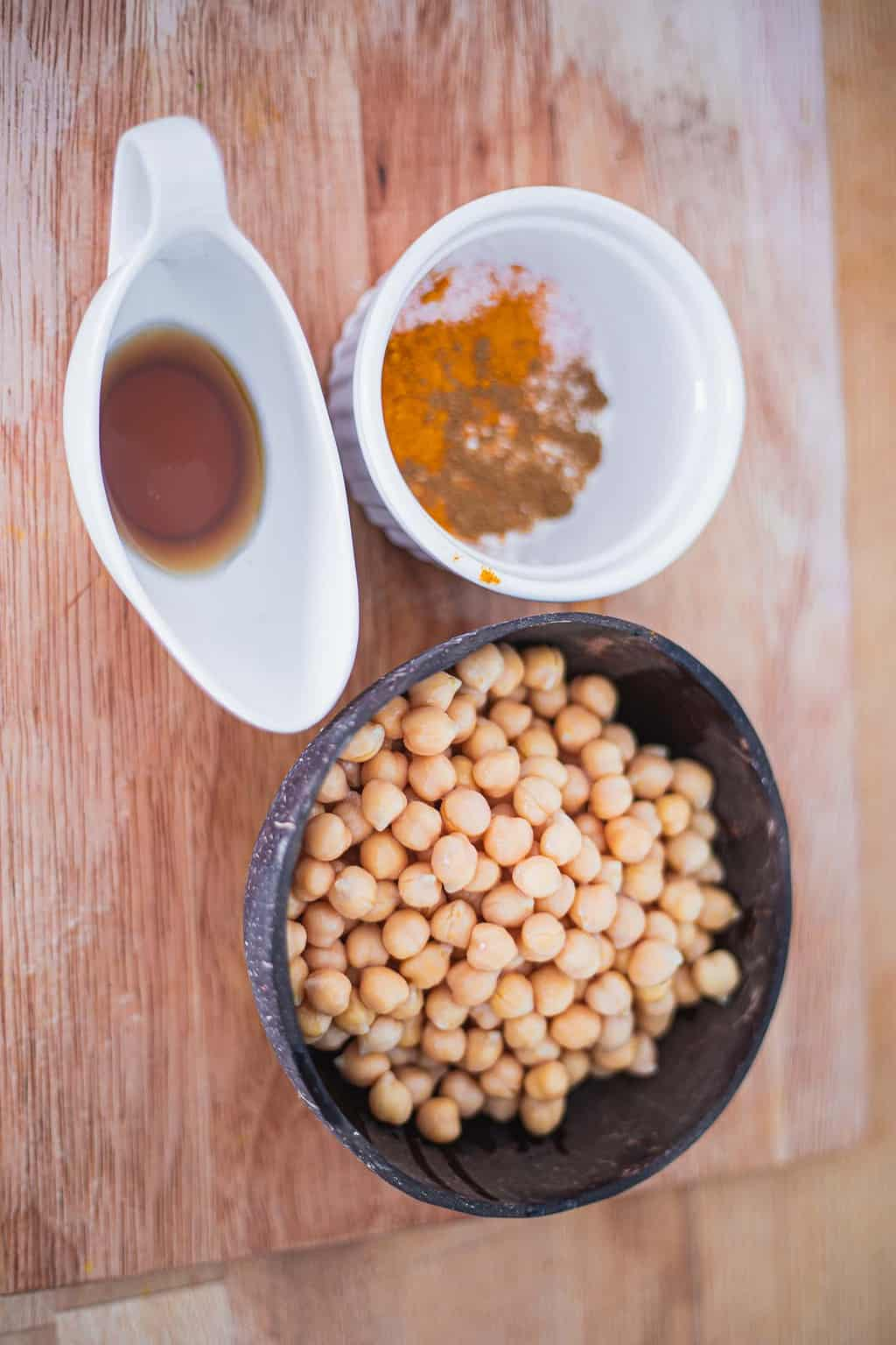 Ingredients for maple chickpeas