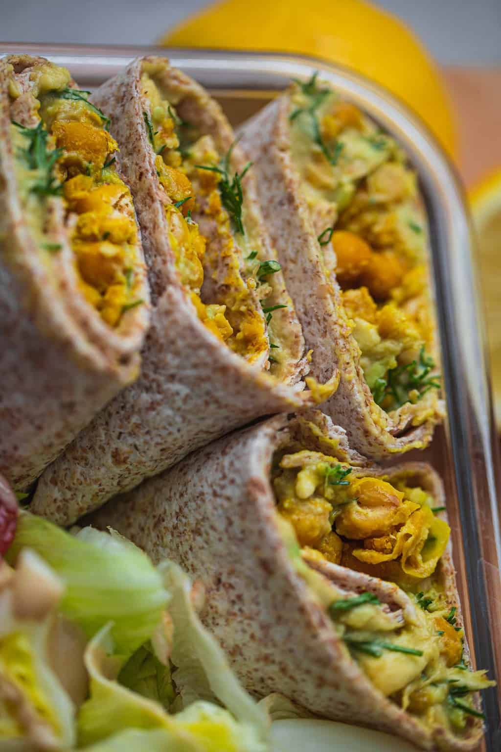 Wrap with avocado and chickpeas