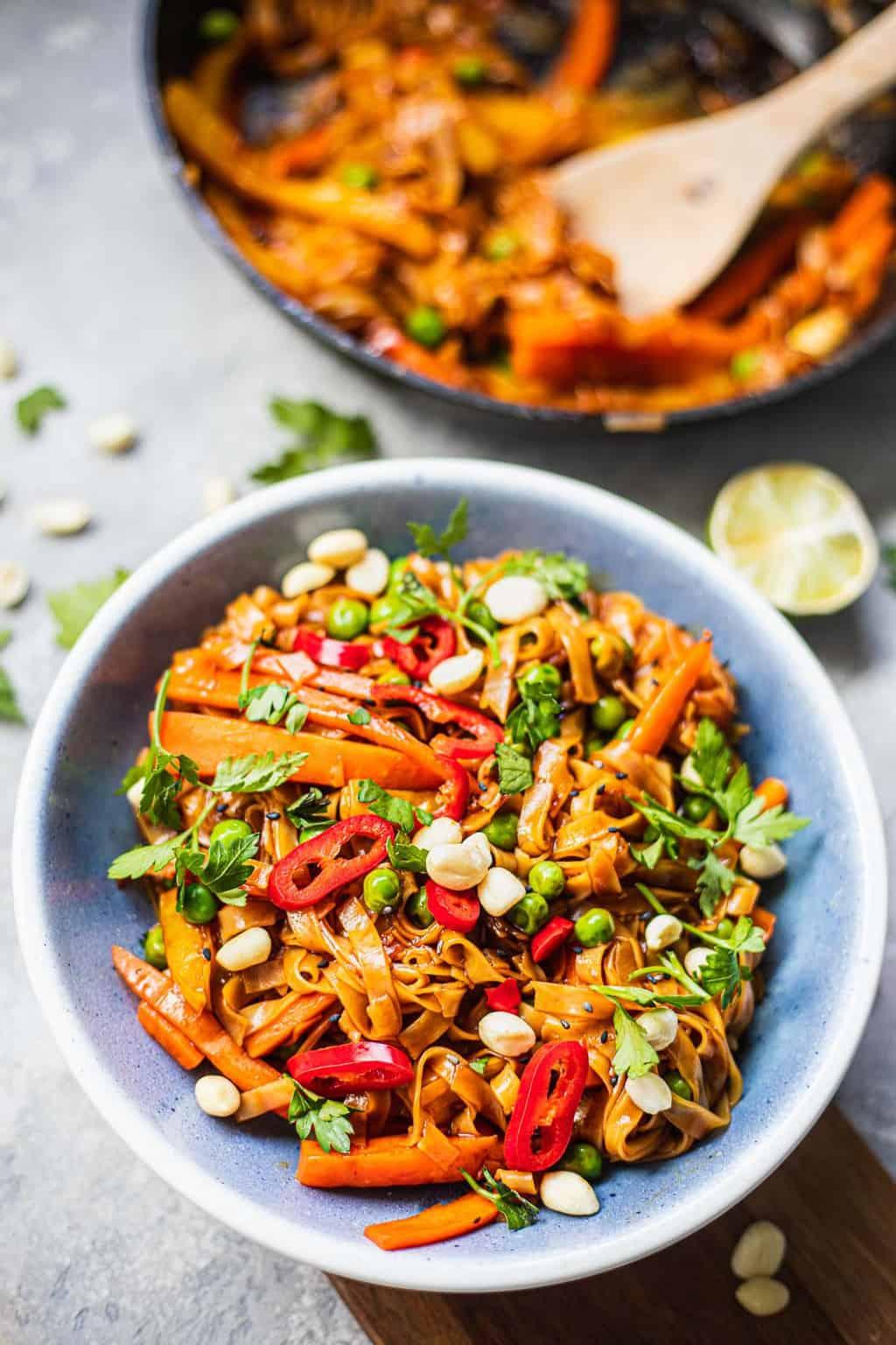 Vegan stir-fried noodles with vegetables