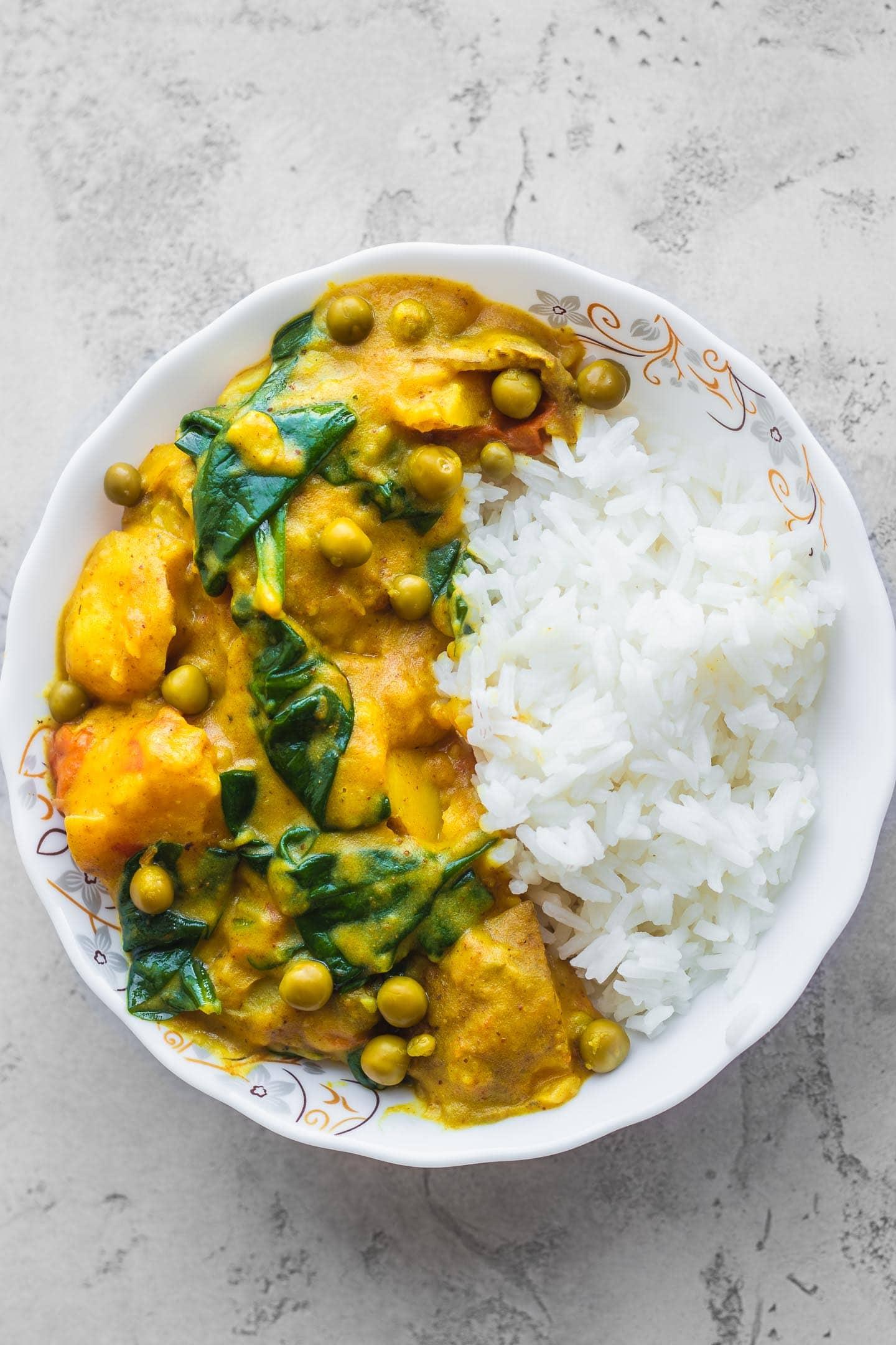 Easy vegan potato curry gluten-free