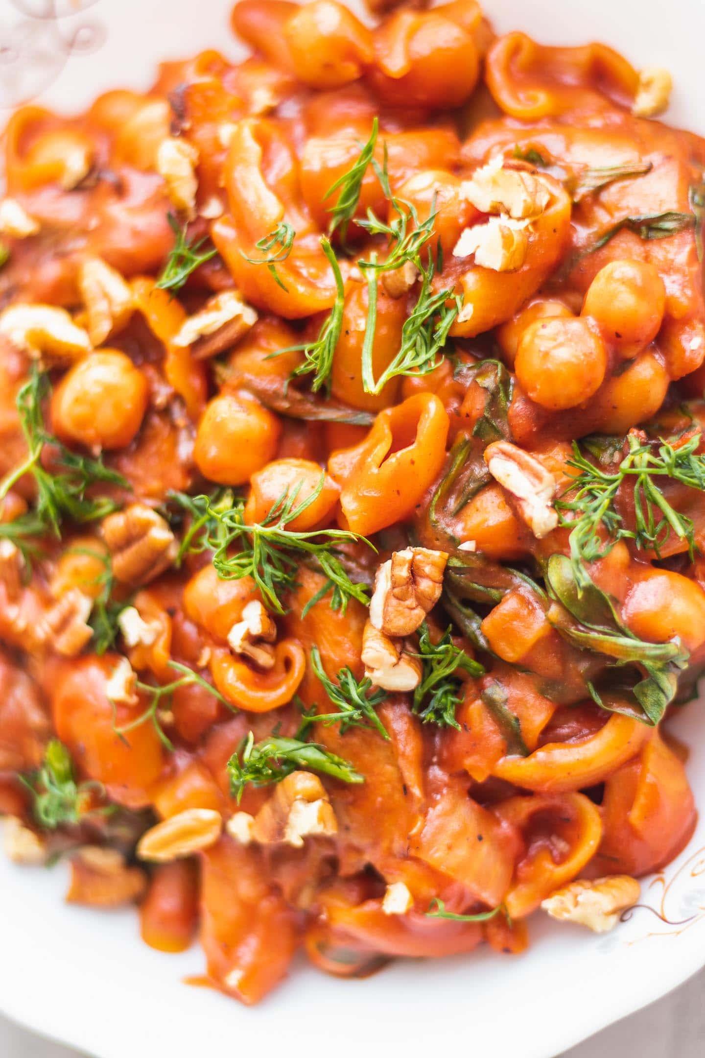 Closeup of vegan pasta with chickpeas