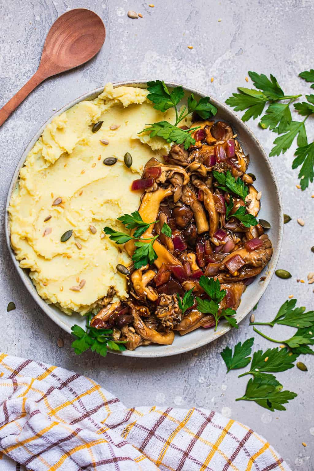 Bowl with mashed potatoes and mushrooms