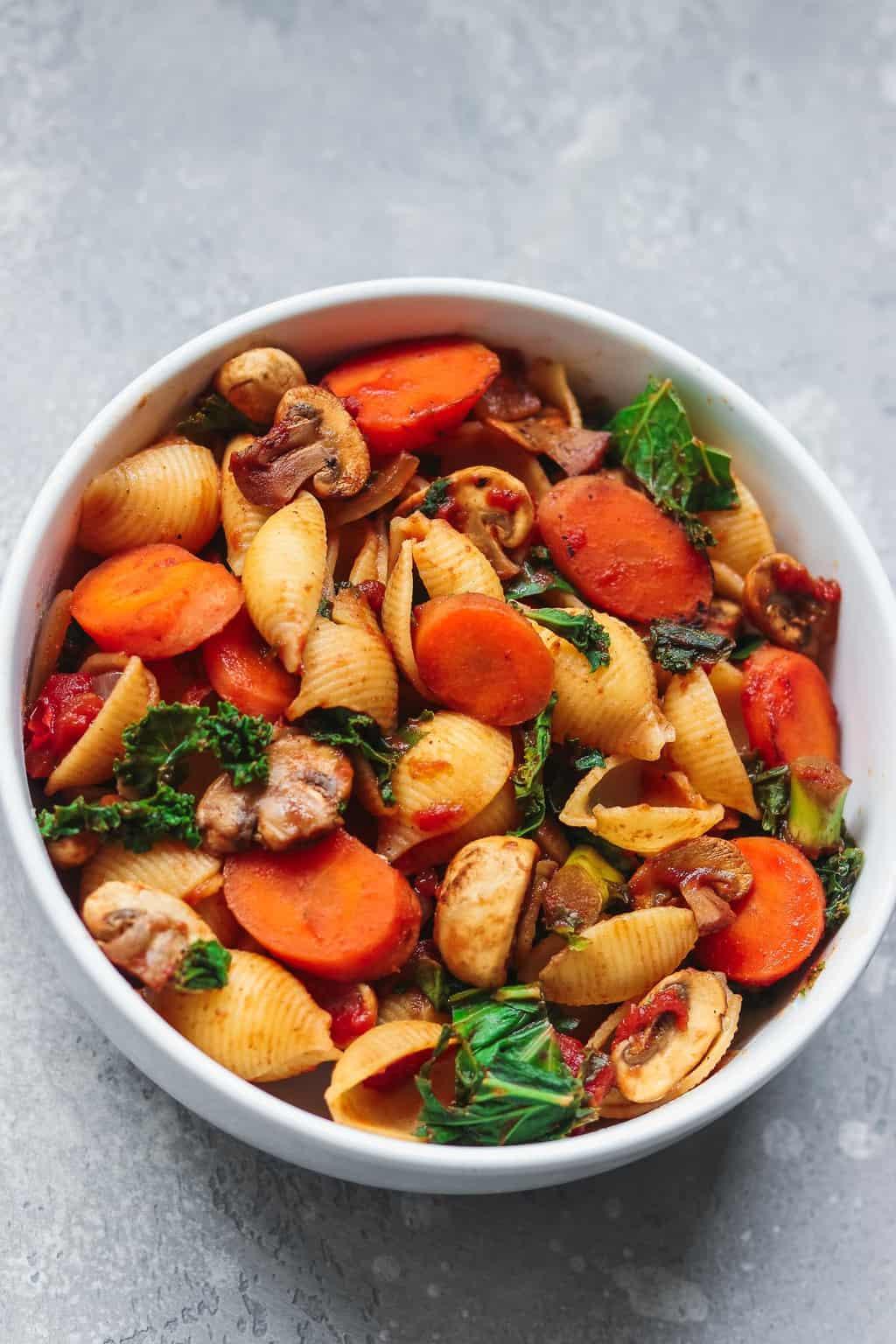 Vegan vegetable pasta with mushrooms