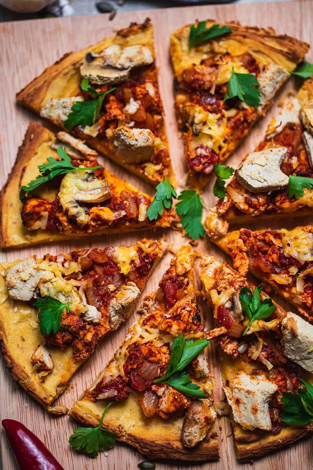 Vegan pizza with tofu and chick'n