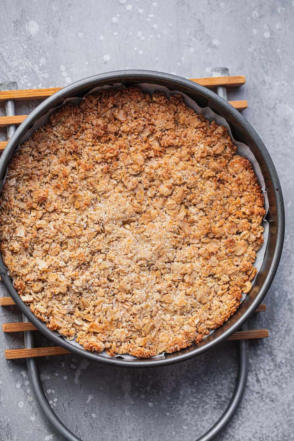 Vegan sweet pie crust after baking