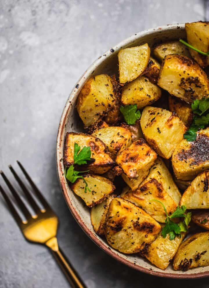 Crispy vegan lemon potatoes