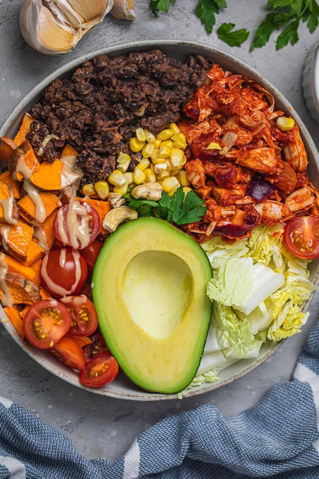 Easy vegan breakfast burrito bowl