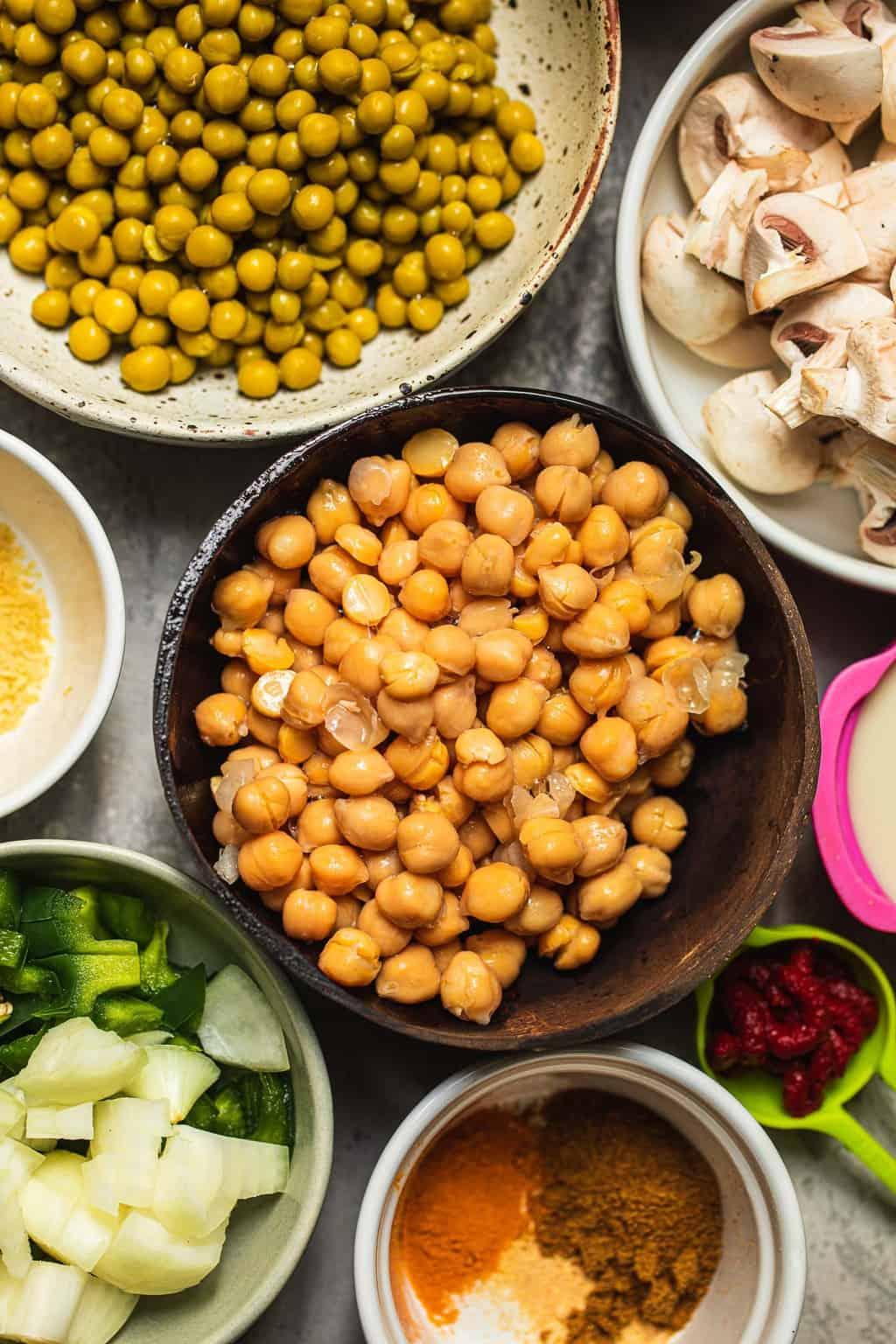Ingredients for vegan chickpea pasta