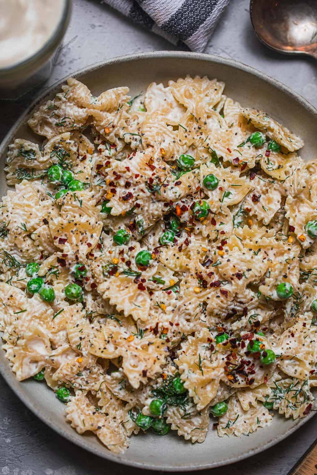 Pasta with vegan sour cream