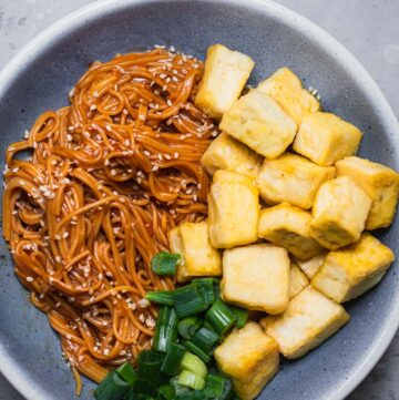 Crispy tofu with noodles