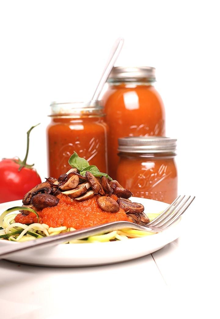 Basil garlic tomato sauce canned