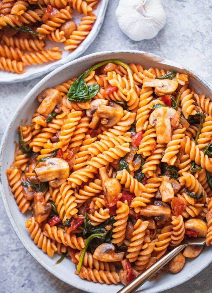 Spicy vegan mushroom pasta