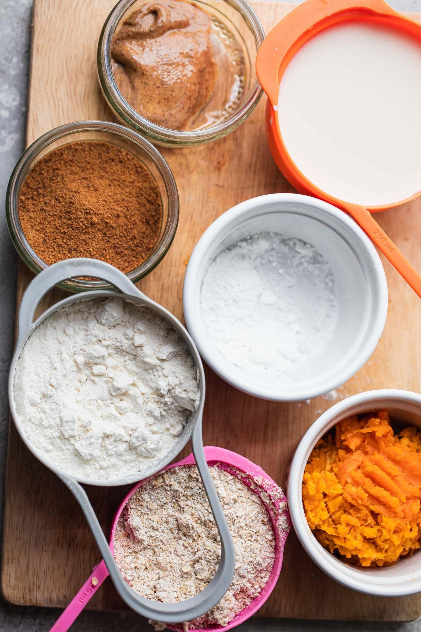 Ingredients for vegan pumpkin pancakes