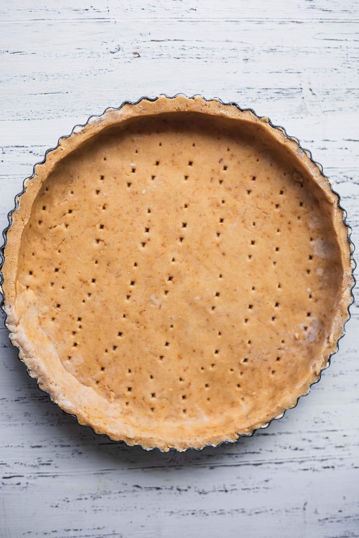 Pie crust in a pie dish