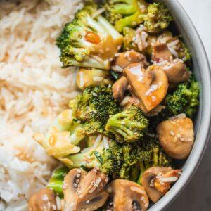 Simple vegan broccoli stir-fry
