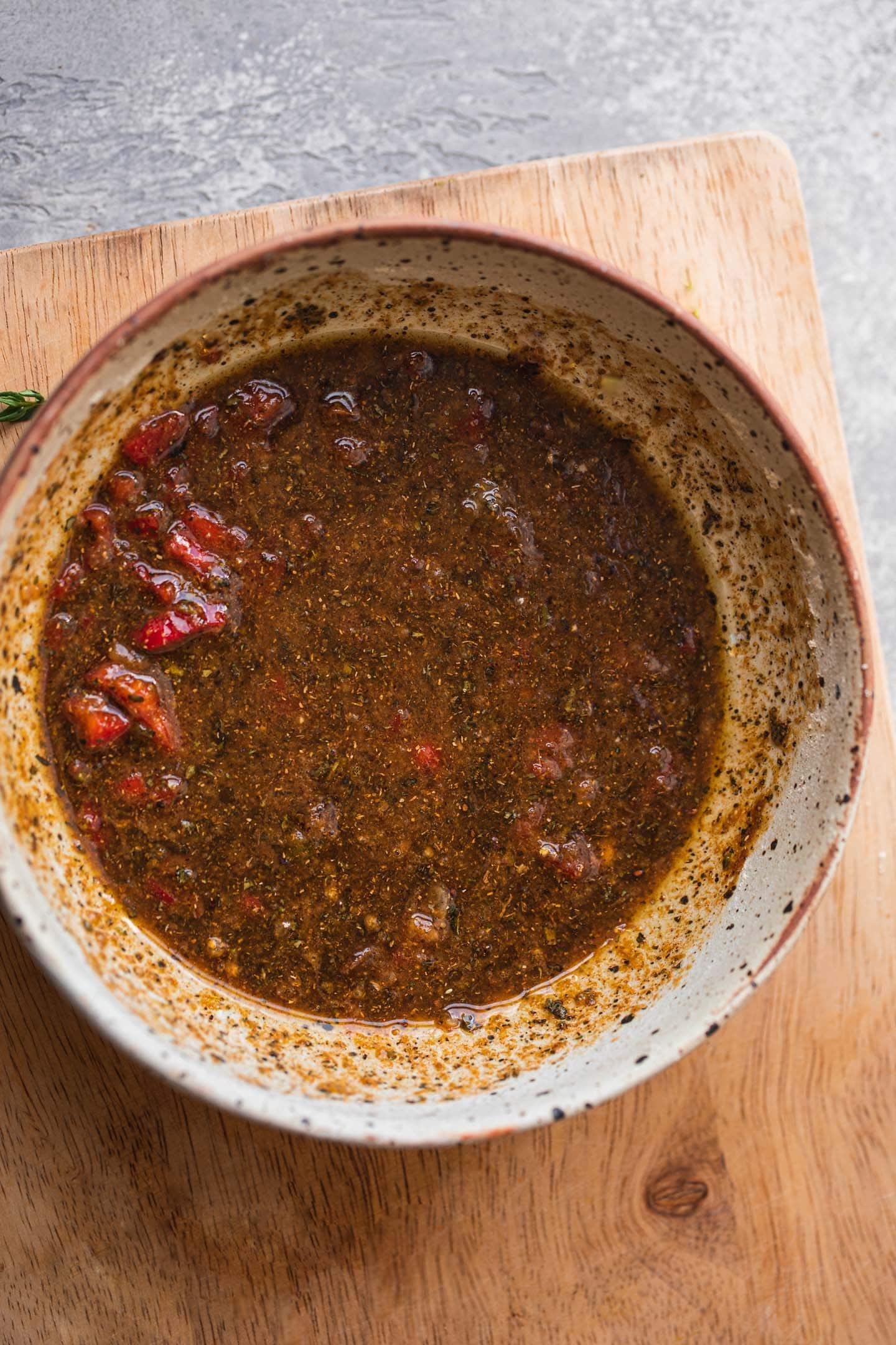 Herby garlic sauce
