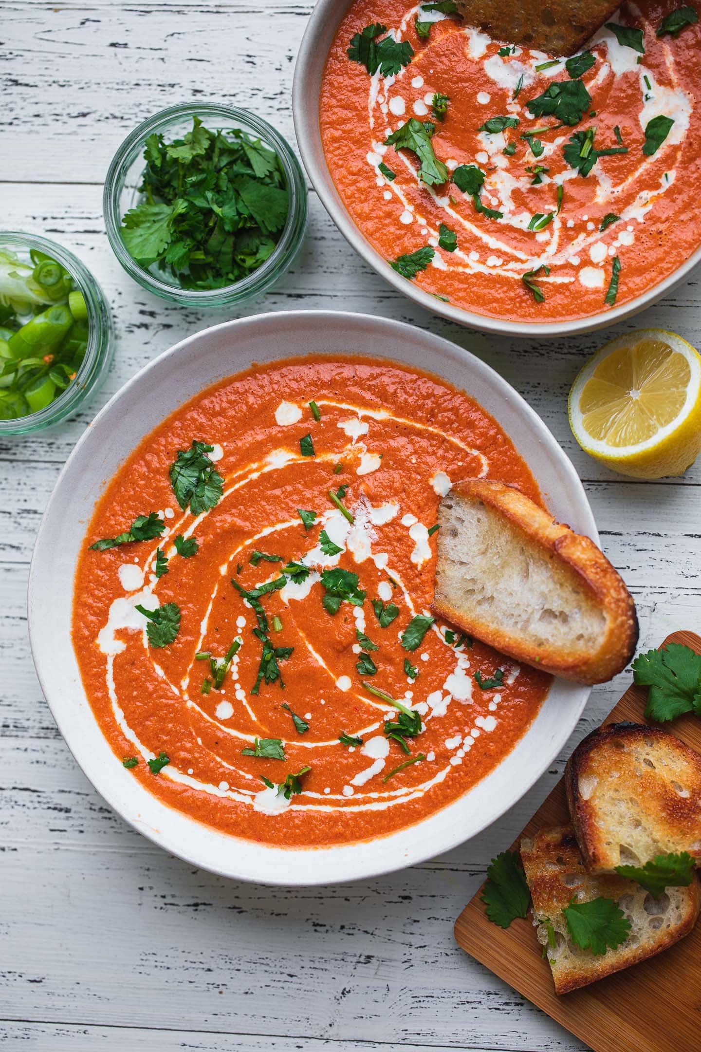 Easy vegan tomato bisque