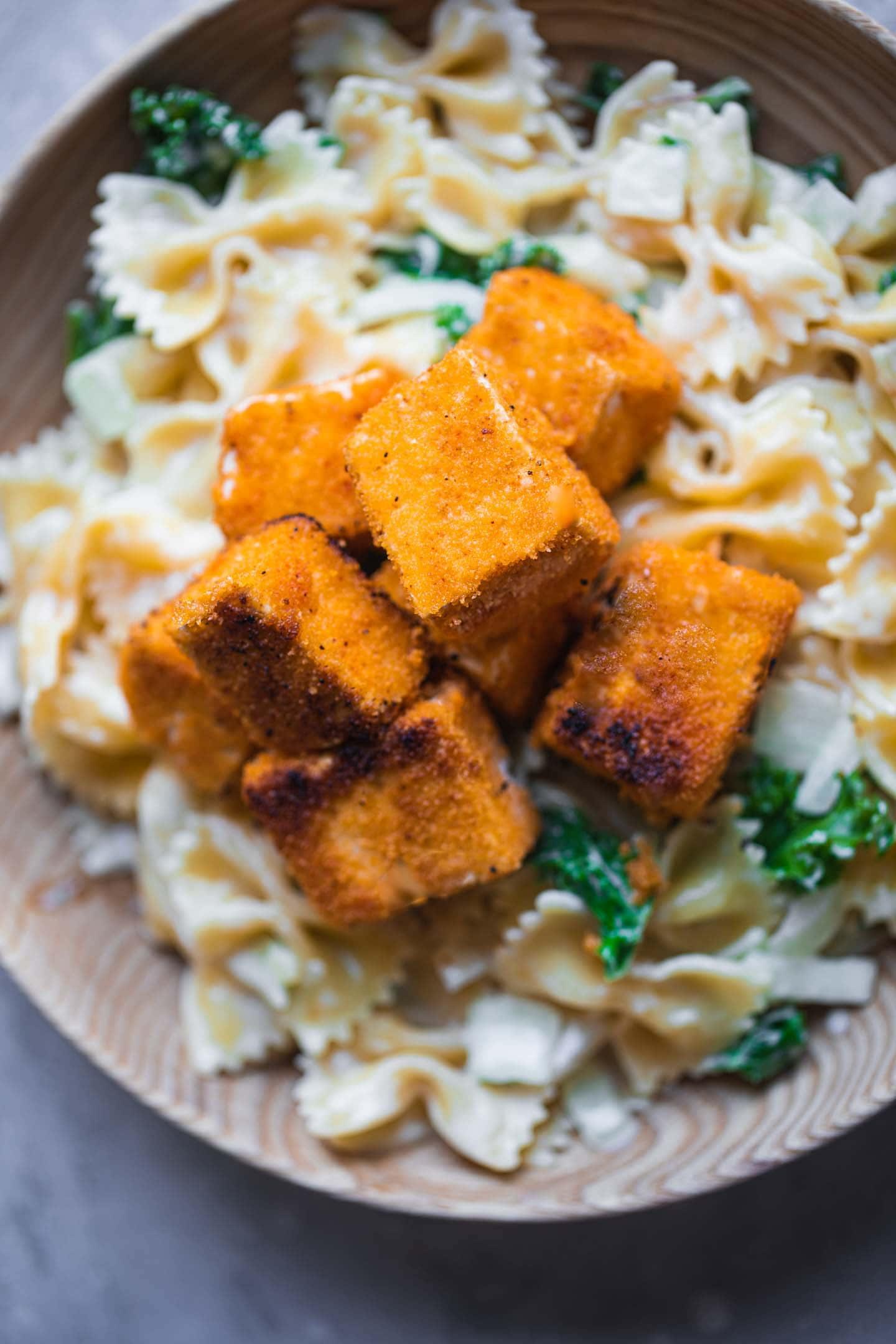 Fried tofu and creamy kale pasta