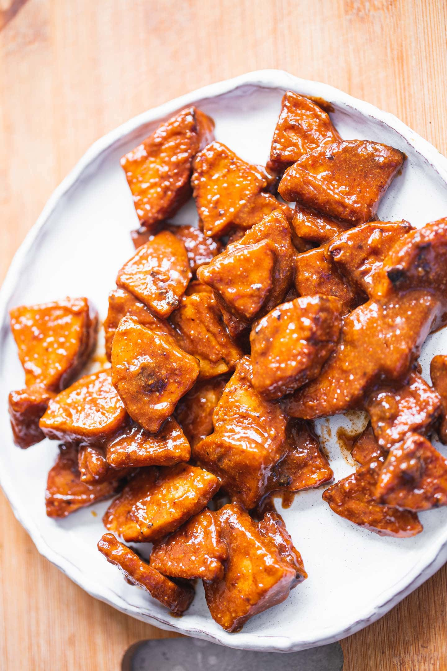 BBQ tempeh on a plate