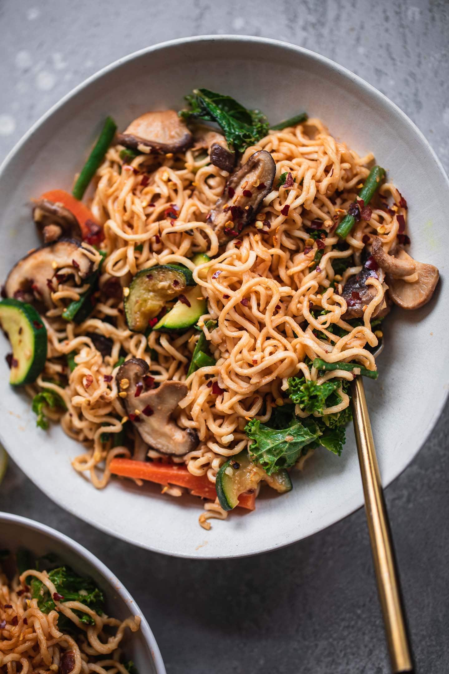 Easy Vegan Peanut Noodles-9