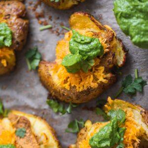 Vegan Smashed Potatoes With Avocado Sauce-15
