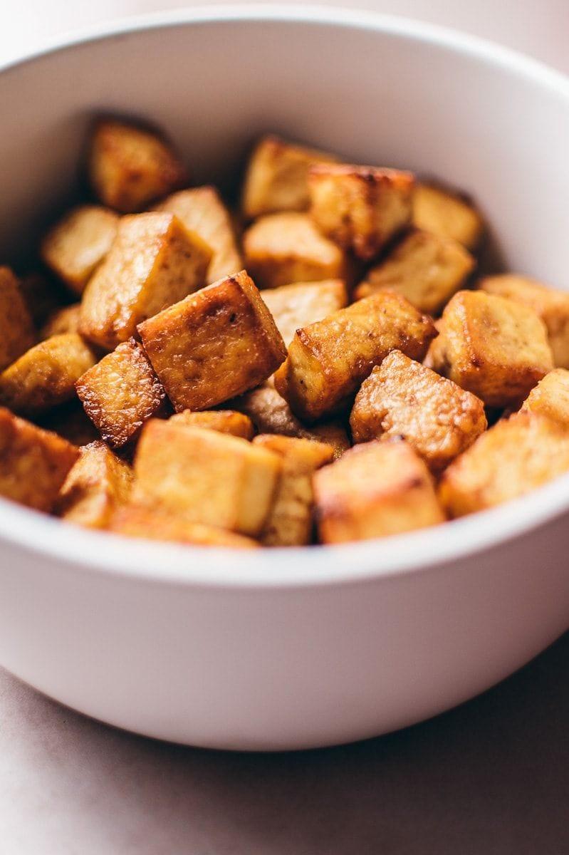 Crispy cubes of air fryer tofu