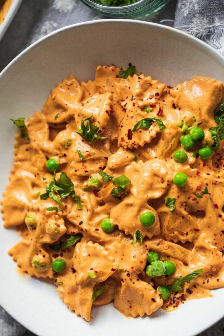 Roasted red pepper pasta vegan