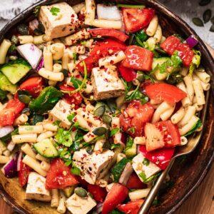 Vegan macaroni salad without mayo