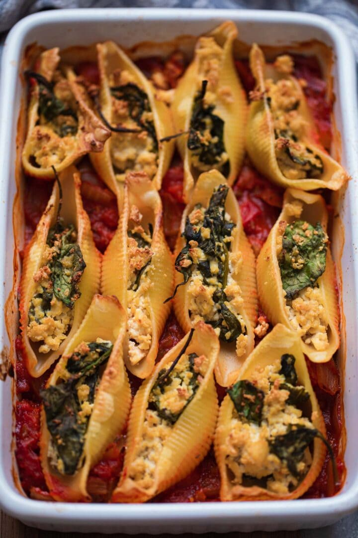Baking dish with conchiglie and tofu ricotta