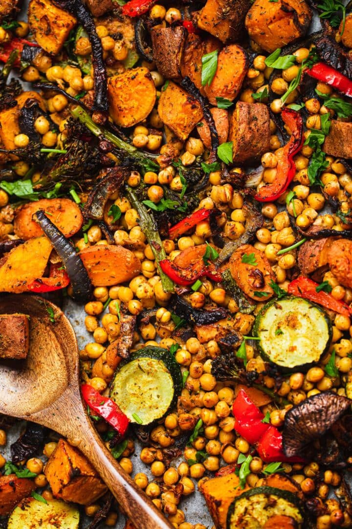 Baking tray with roasted vegetables and chickpeas