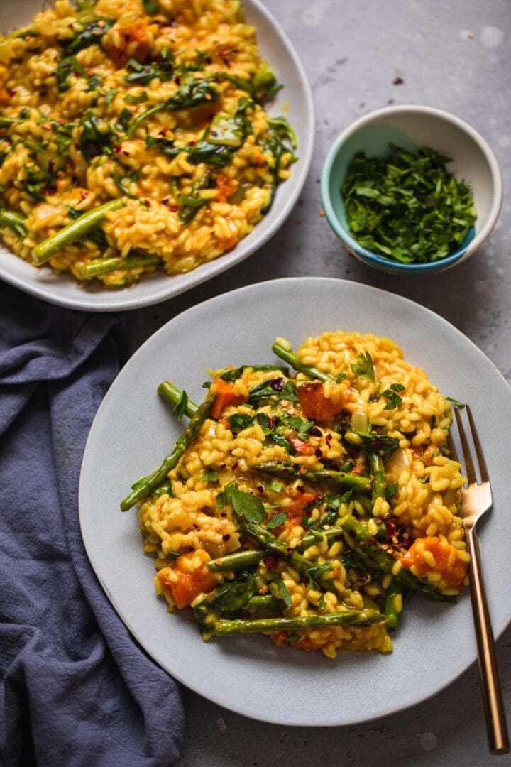Dairy-free butternut squash risotto with asparagus