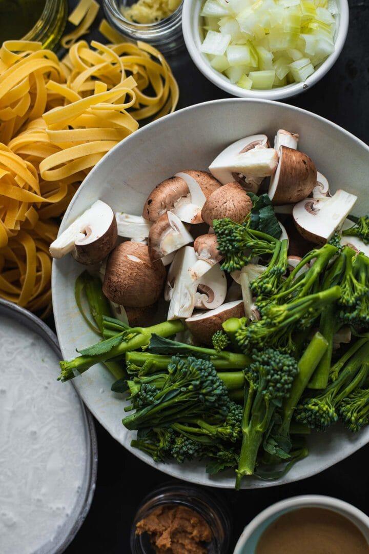 Ingredients for creamy vegan pasta