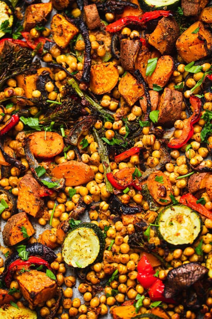 Sheet pan meal with chickpeas and vegetables-5