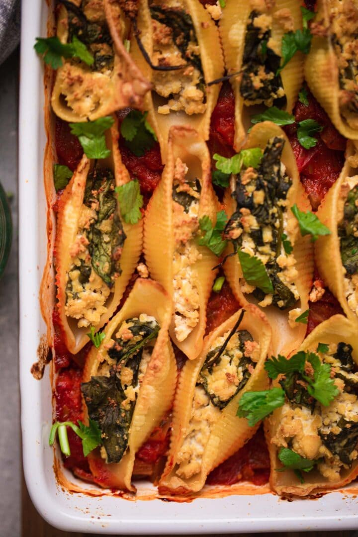Vegan stuffed shells with spinach ricotta