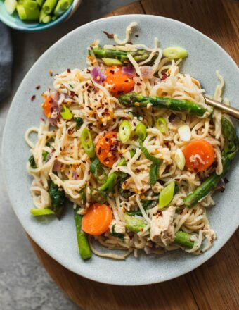 Tofu noodles with asparagus