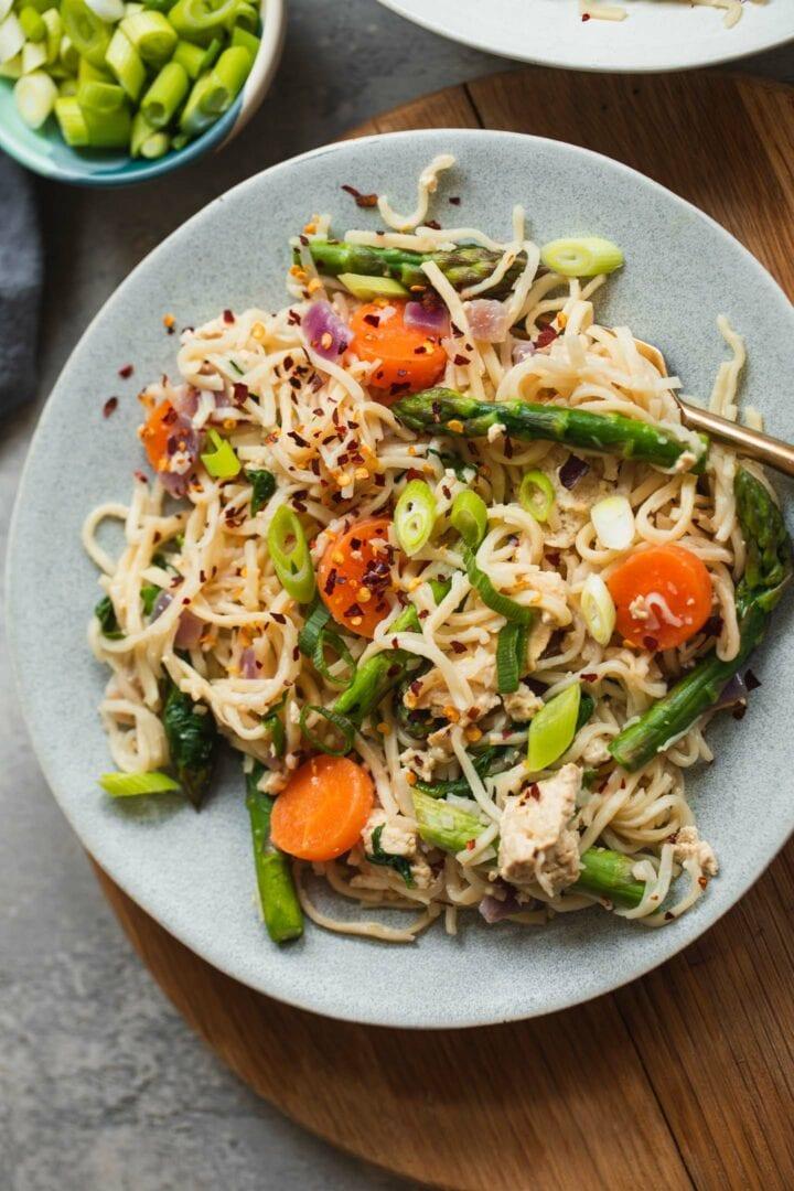 Tofu noodles with asparagus