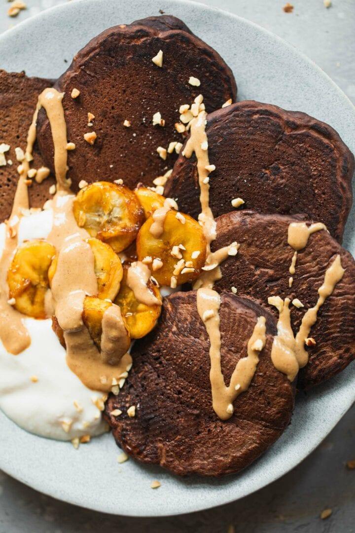 Vegan chocolate pancakes with caramelised banana-7