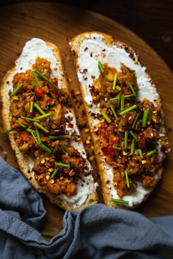 Toast with eggplant caviar and vegan cream cheese
