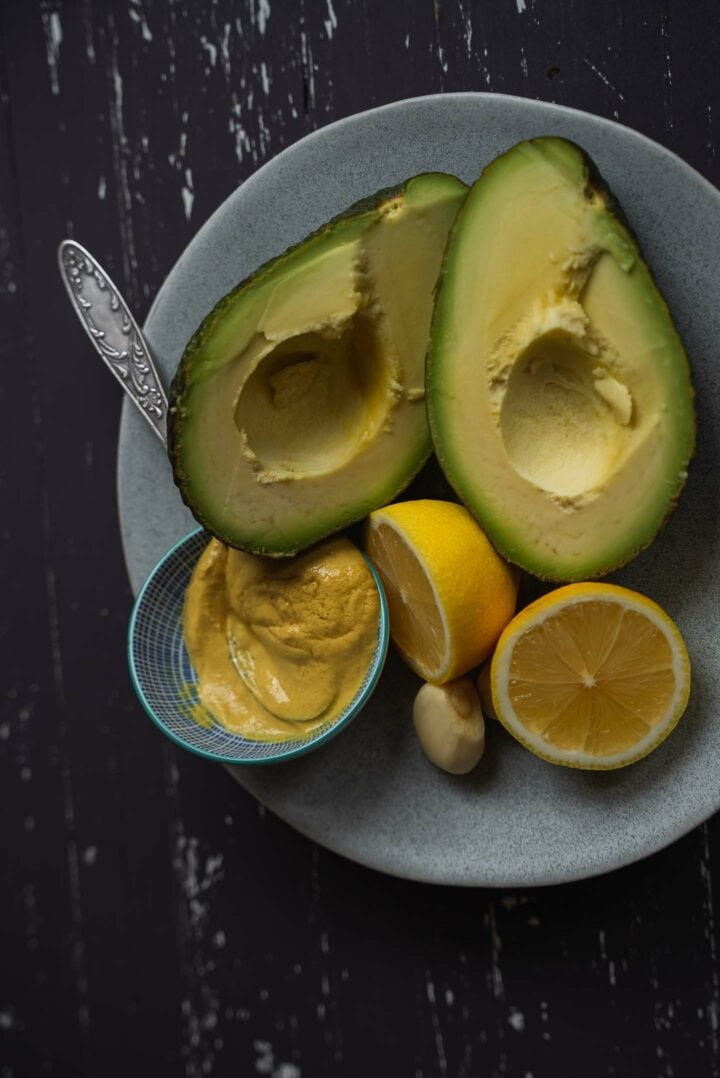 Ingredients for avocado sauce