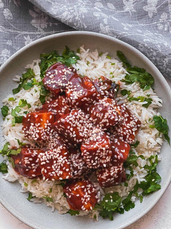 BBQ tofu with sesame seeds