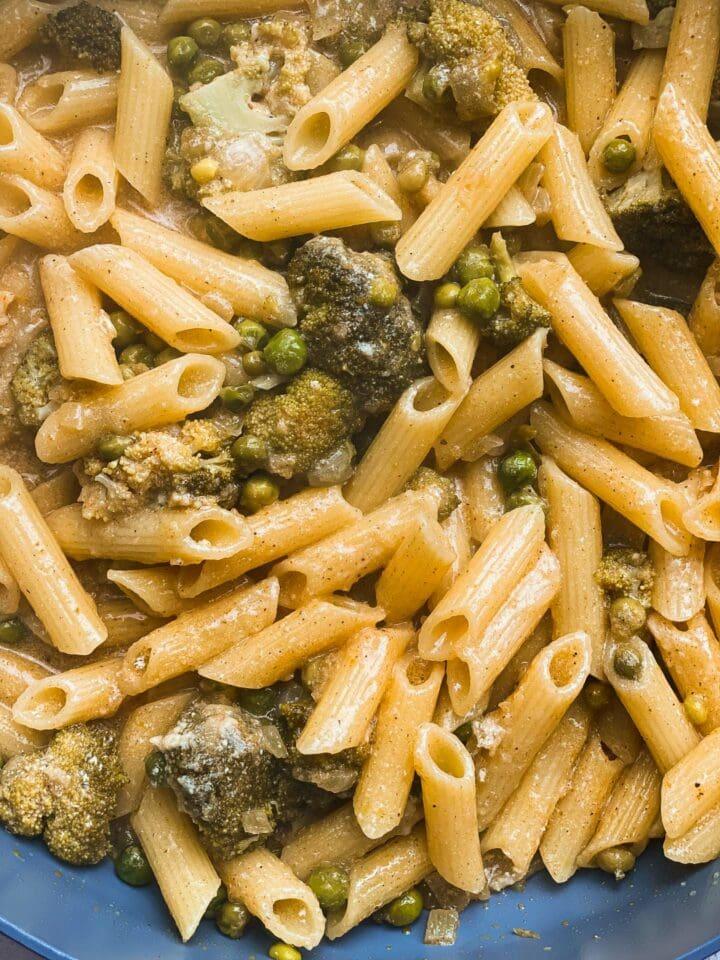 Lemon pasta with broccoli