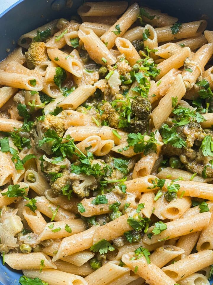 Pasta with broccoli and peas