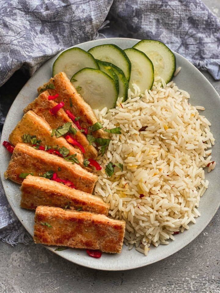 Salt and pepper tofu with rice and vegetables