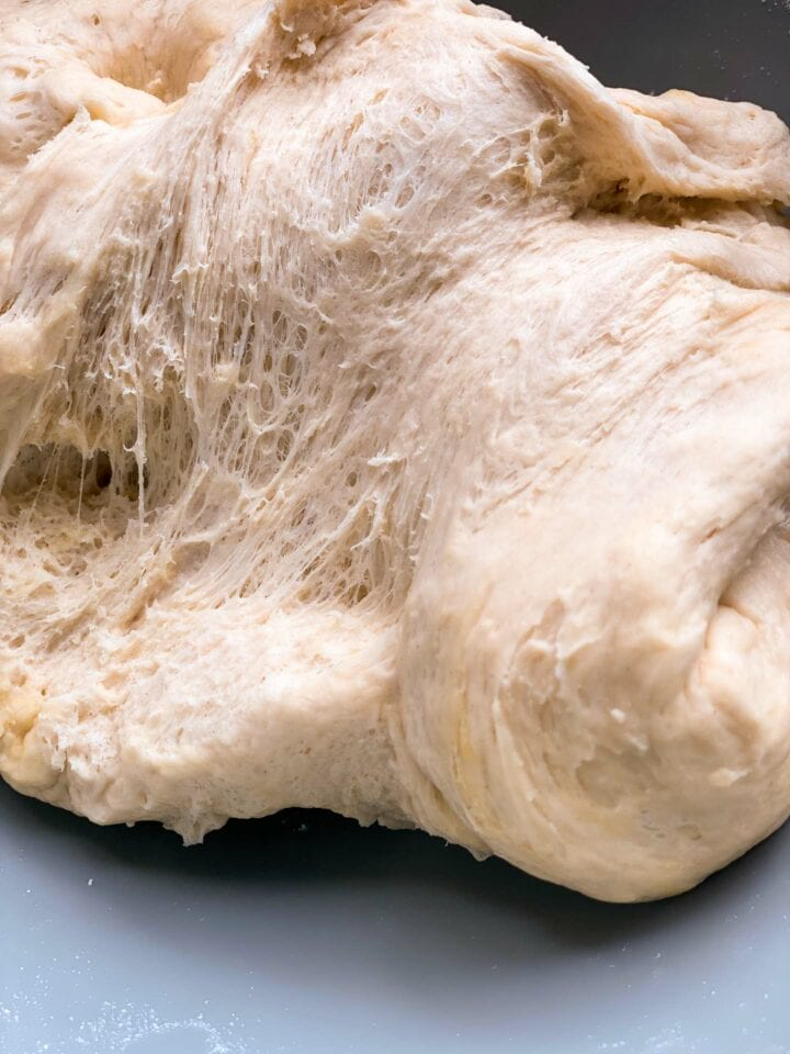 Dough for bread rolls