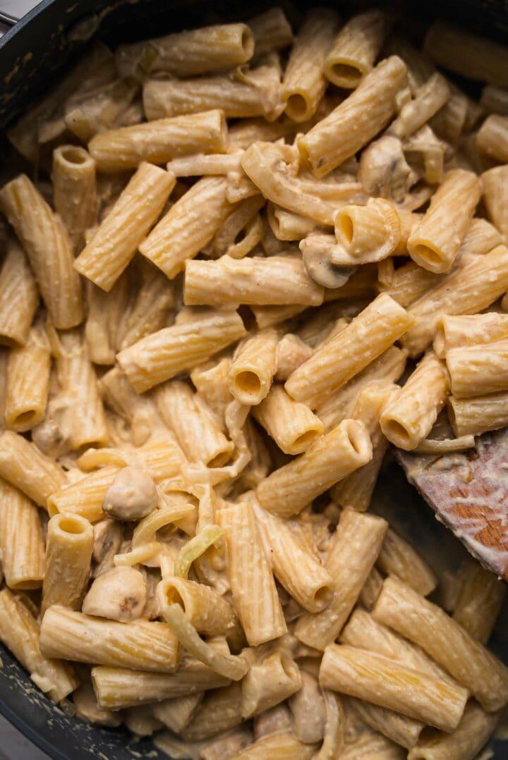 Hummus pasta in a frying pan